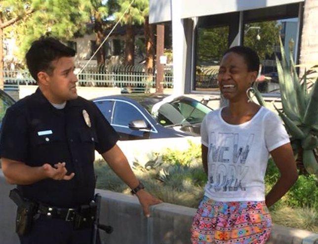 Actriz de Django denuncia acoso policial