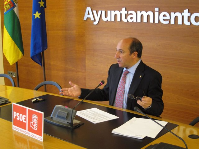 Vicente Urquía, en la rueda de prensa