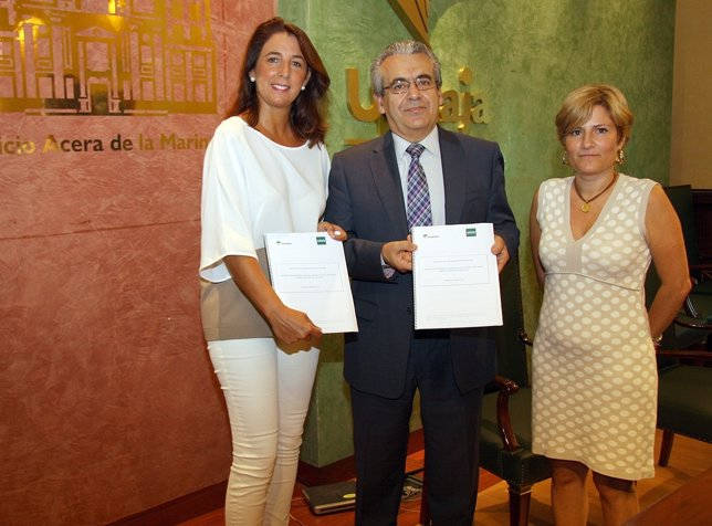 Antonia Ledesma, diputada; Sebastián Morales, Unicaja y Travesedo, UNED