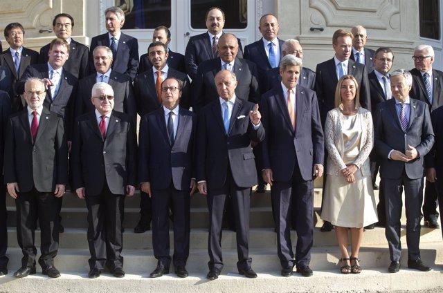 Asistentes a la conferencia de París, incluidos François Hollande y Fuad Masum