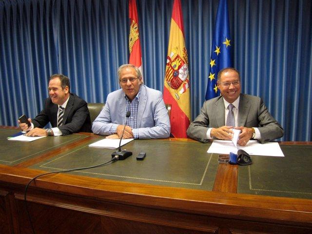 Pablo Trillo (izda), Martínez Bermejo y Alfredo Blanco.