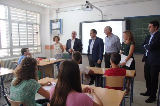 Luciano Alonso inaugura el curso de Secundaria 2014-15 en Valencina (Sevilla)
