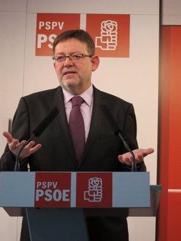 El secretario general del PSPV, Ximo Puig, en rueda de prensa.