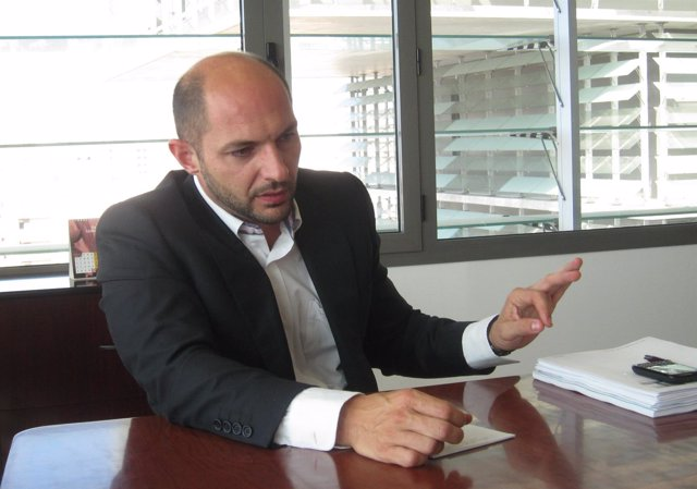 El Concejal De Accesibilidad Y Movilidad De Málaga, Raúl López