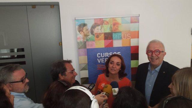Pepa Bueno y Sánchez Maldonado, en la inauguración de Cursos de la UNIA