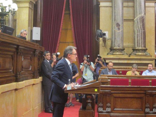 Pleno del Parlament con el presidente de la Generalitat Artur Mas