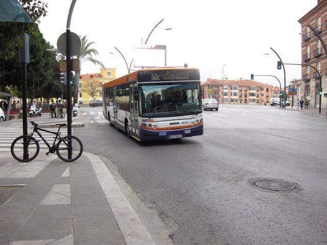 Autobús Latbus por la Gran Vía