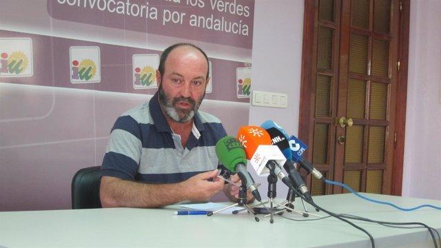 El portavoz de IULV-CA en el Ayuntamiento de Huelva, Pedro Jiménez.