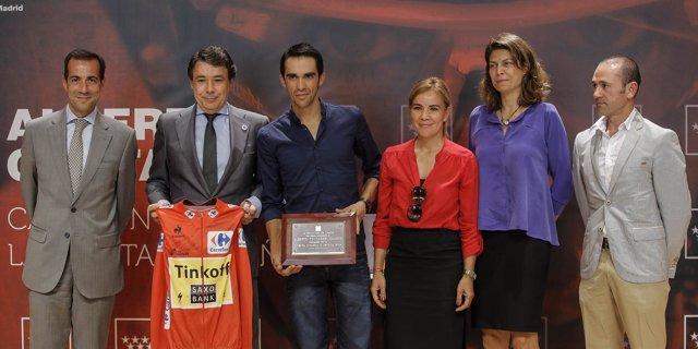 Alberto Contador Comunidad Madrid Vuelta Ignacio González Lucía Figar Victoria