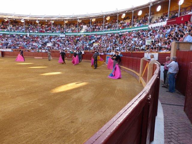Aspecto del coso sanluqueño durante el primer festejo del plan de Diputación