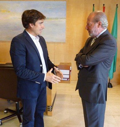 Villalobos recibe al nuevo presidente de AJE, Jorge Robles