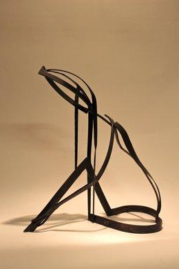 Escultura 'Mujer acariciándose', de José María Llop