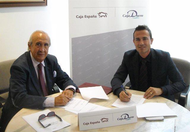 Firma del acuerdo entre Caja España-Duero y Andade