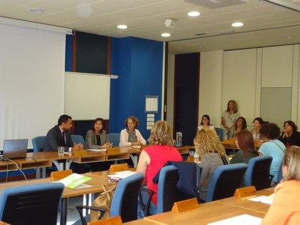 Escuela de Salud Pública forma a profesionales del IAM y el IAJ en la atención ciudadana sobre salud sexual