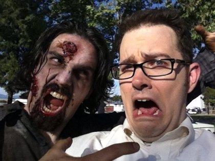 VÍDEO: El Angry Video Game Nerd huye de hordas de zombies