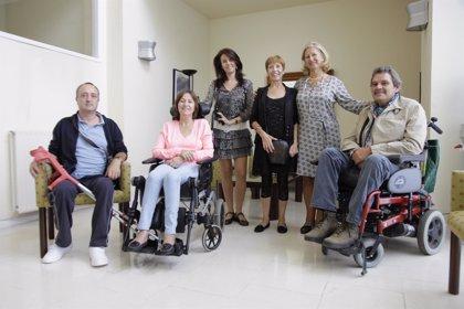 AdELA consigue recaudar 376.000 euros gracias al reto del 'cubo hELAdo'