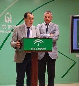 José Luis Ruiz Espejo y Javier Carnero, delegados de la Junta en Málaga