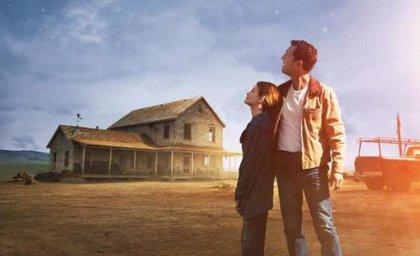 Interstellar: Matthew McConaughey mira a las estrellas en un nuevo cartel