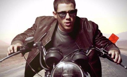 El 'Jealous' de Nick Jonas con Olivia Culpo