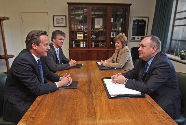 David Cameron y Alex Salmond