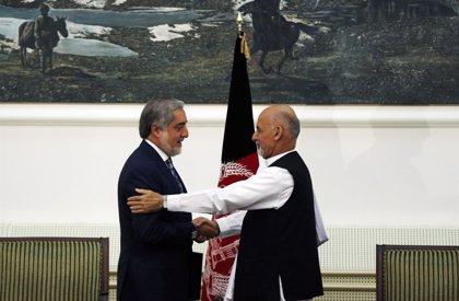 Afganistán cierra su última crisis política con la firma del nuevo gobierno de unidad