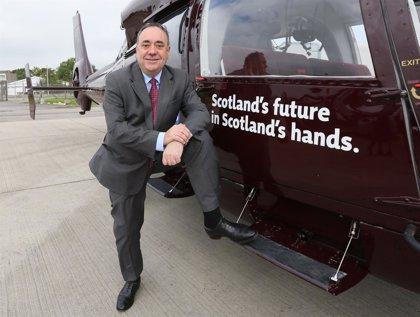 Salmond acusa a los partidos británicos de engañar a los escoceses para votar contra la independencia