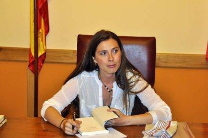 La escritora Clara Fuertes regresa al Valladolid en el que se crió para presentar su novela 'Agua de Limón'