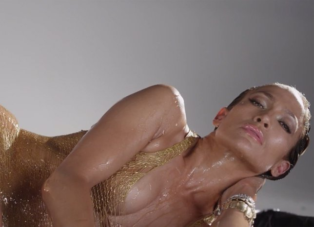 Una empresa de lubricantes interesada en Jennifer Lopez como reclamo