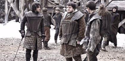 Un hombre se defiende de su atacante al estilo Jon Nieve de 'Juego de tronos'