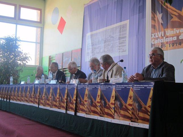 Agustí Alcoberro (derecha) en un acto en agosto en la UCE (Archivo)