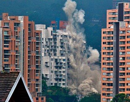 Ejecutan la demolición del edificio Space a un año de la tragedia
