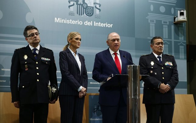 Jorge Fernández Díaz y Cristina Cifuentes informan sobre el pederasta