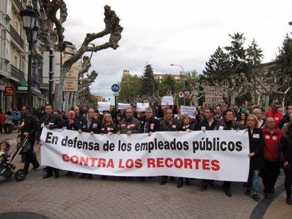 Sindicatos de funcionarios se reúnen mañana con Hacienda y dan por hecho una nueva congelación salarial