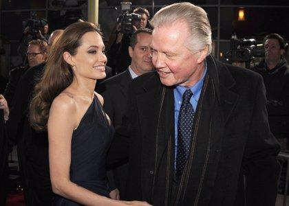 Jon Voight escogió los Emmys antes que llevar a Angelina al altar