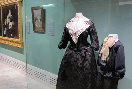 Los retratos de Sorolla dialogan con la indumentaria de la época en una exposición en el San Pío V