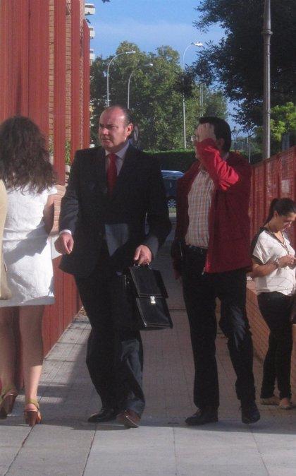 Piden seis años de cárcel para el exalcalde de Encinarejo (PA) por fraude y prevaricación en obras