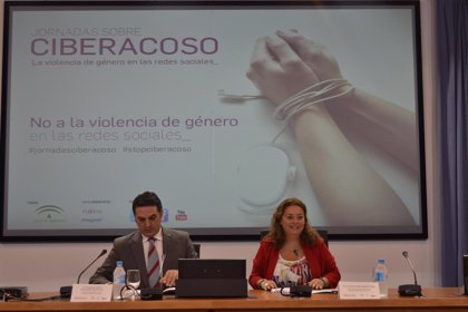 La Junta resalta la importancia de la formación en la lucha contra el maltrato en las redes sociales