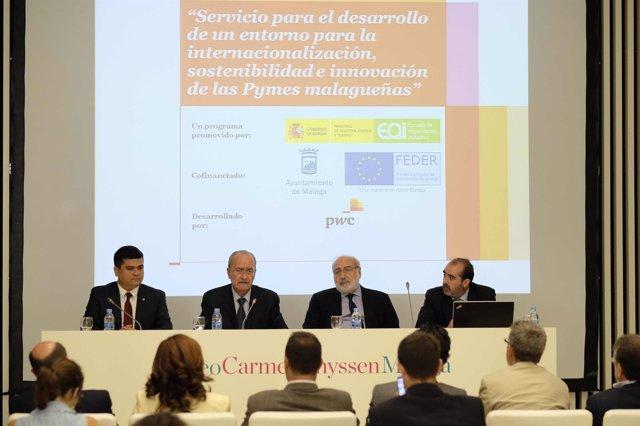 De la Torre con el director general de la EOI, Fernando Bayón