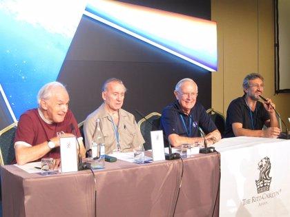 Astronautas Duke y Cunningham apuestan por la alianza espacial de EEUU y Rusia
