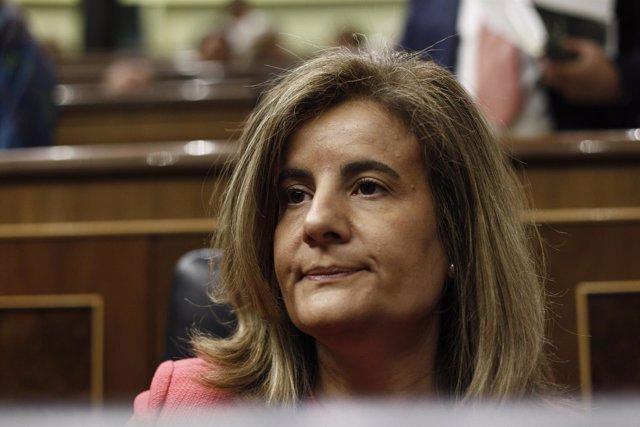 Fátima Báñez, en su escaño del hemiciclo