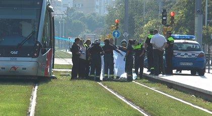 La Policía investiga la muerte de una peatón atropellada por el tranvía