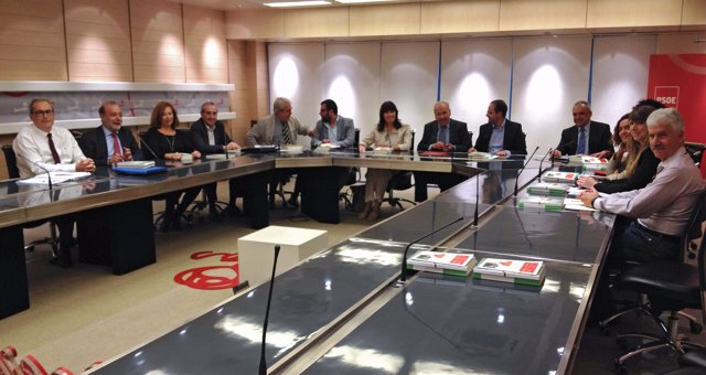 Reunión del nuevo patronato de la Fundación Pablo Iglesias