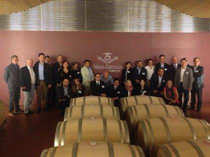 Más de 20 importadores participan en una misión inversa de la Diputación de Valladolid con el vino como protagonista