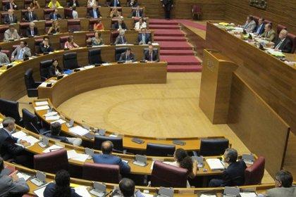 Las Corts aprueban 79 resoluciones de las 506 presentadas por los grupos, 21 de la oposición
