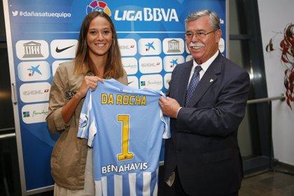El Málaga homenajea a la nadadora Duane da Rocha por su título europeo