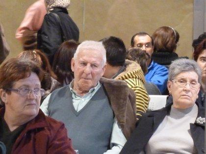 Economía/Vivienda.- Cada vez más jubilados comparten piso para recortar gastos, según un estudio