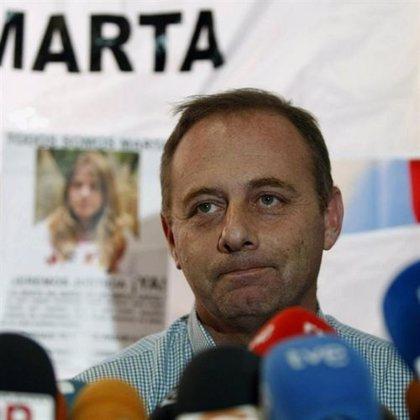 "El padre de Marta pide ""no dejar en el cajón"" la cadena perpetua revisable"