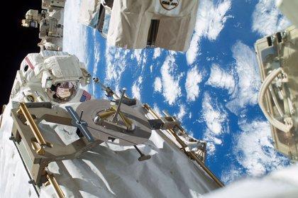 Llega a la Estación Espacial la primera cosmonauta rusa