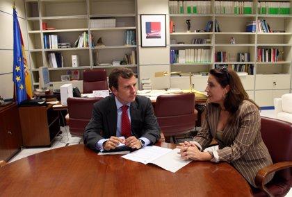 Crespo y Saavedra acuerdan priorizar las actuaciones para frenar la regresión en la costa andaluza