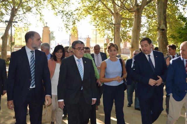 La ministra de Agricultura Isabel García Tejerina en la Fira de St.Miquel